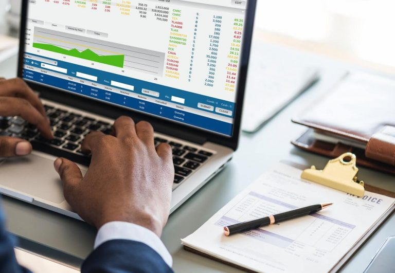 Why Use CRM Analytics Tool to Track Your Company's Goals